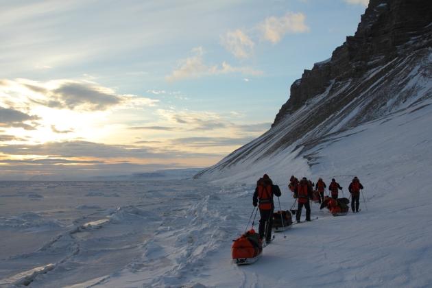 Templet, Svalbard. Would you like to go there? I can help! - - - Templet, Huippuvuoret. Haluaisitko sinne? Minä voin auttaa!
